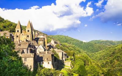 Conques village medieval Fance