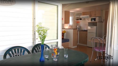 Terrasse et cuisine