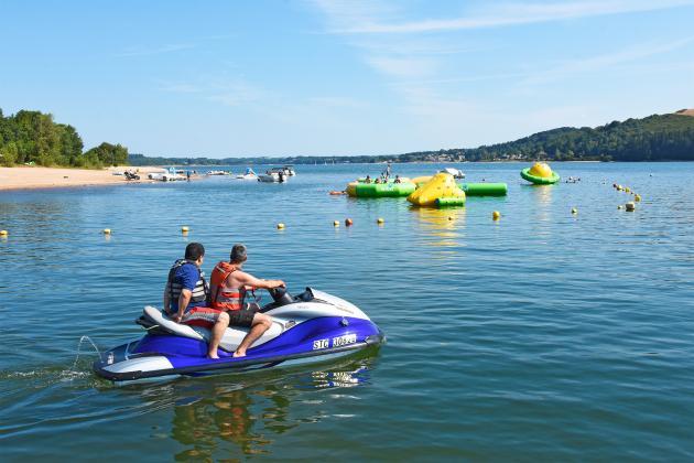 sport nautique sur le lac
